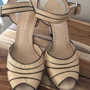 Giani Bini size 7.5 high heel sandal